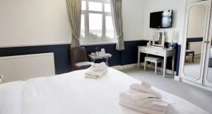 hotel-room4